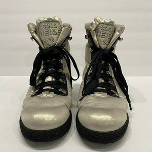 CHANEL COCO NEIGE Light CC SHORT LACE UP BOOTS